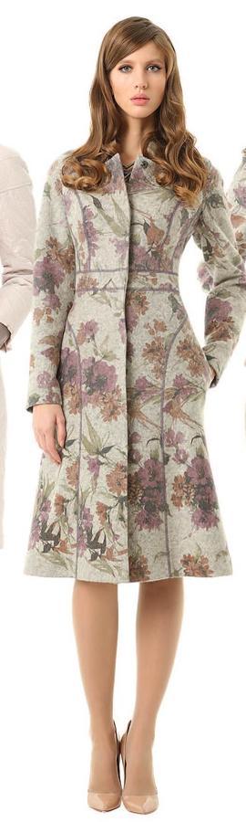 Очень красивое пальто M Reason. Продам или поменяю на пальто MR 44-46 размера с доплатой в любую сторону во Владивостоке