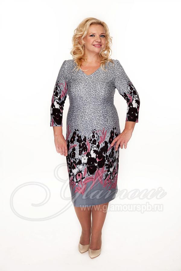 Красивое платье на 44 размер .Стройнит. Выглядит лучше чем на фото во Владивостоке
