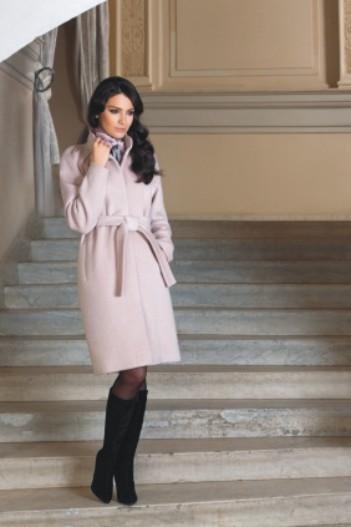 шикарное пальто от Виктории Андрияновой в Южно-Сахалинске