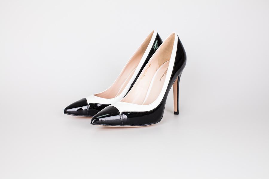 Продам шикарные туфли Sasha Fabiahi во Владивостоке