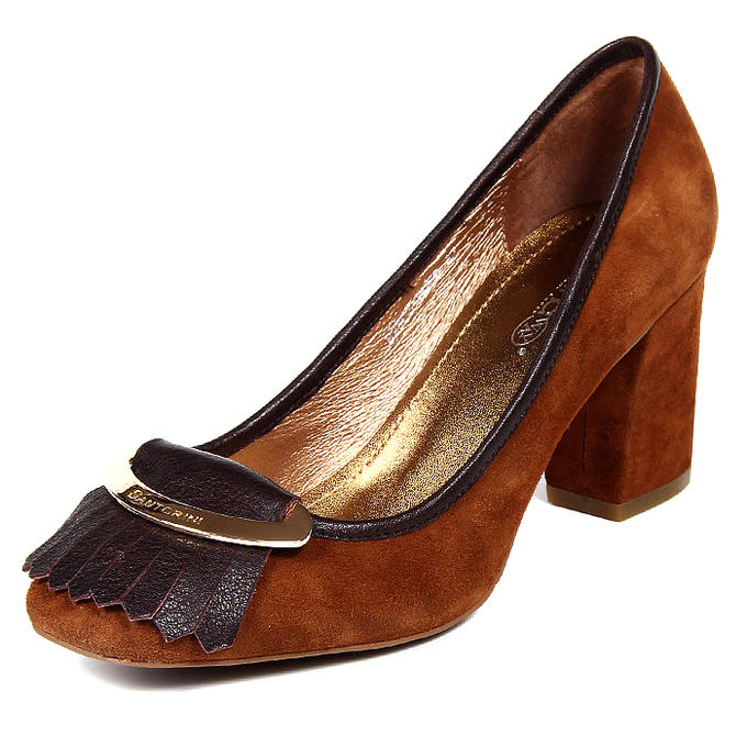 Отличные качественные туфли на 39,5 размер, есть фото во Владивостоке