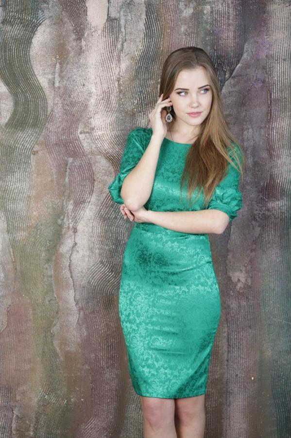 Платье 42 размер во Владивостоке