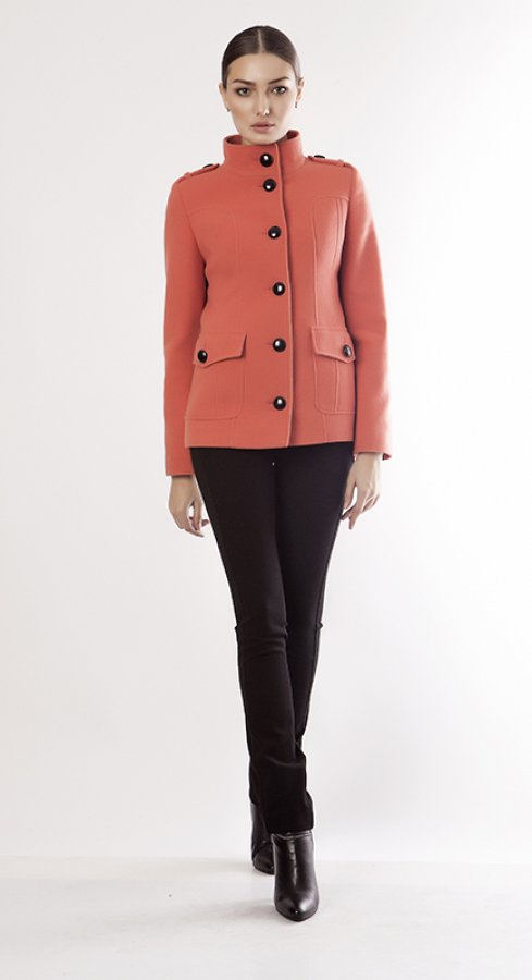 Продам женское полу пальто в Хабаровске
