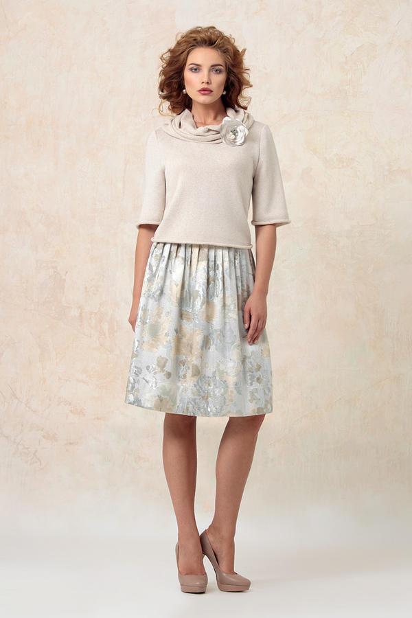 Красивенная парчовая юбка на высокий рост Возможен обмен на женские вещи 42 размера во Владивостоке