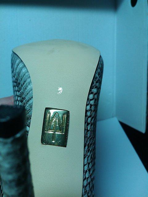 Отпадные кожаные брендовые туфли! Реальные фото внутри! возможен обмен на ваш пристрой во Владивостоке