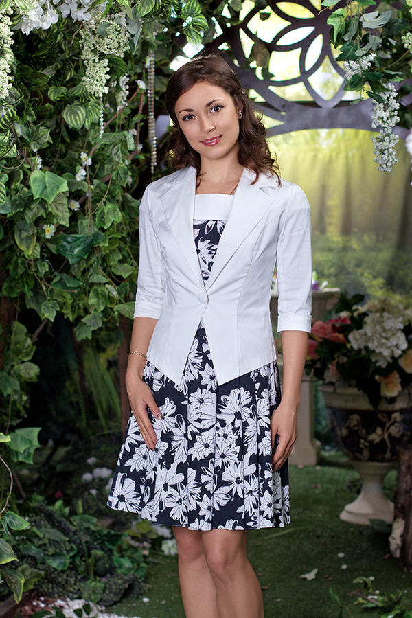 Жакет элегантный, стильный, белый на 48 размер во Владивостоке