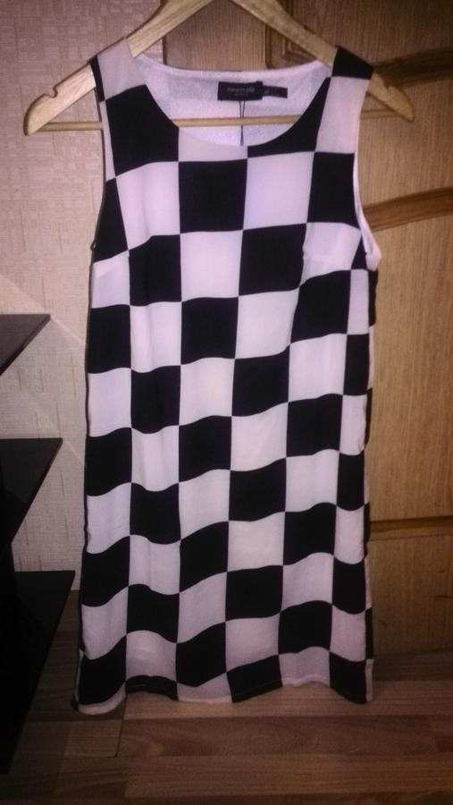 Хорошее летнее платье 42-44 во Владивостоке