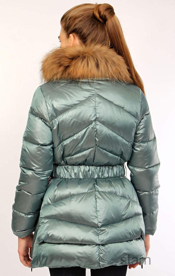Куртка, подойдет как на подростка, так и на худенькую девушку, внутри фото в Хабаровске