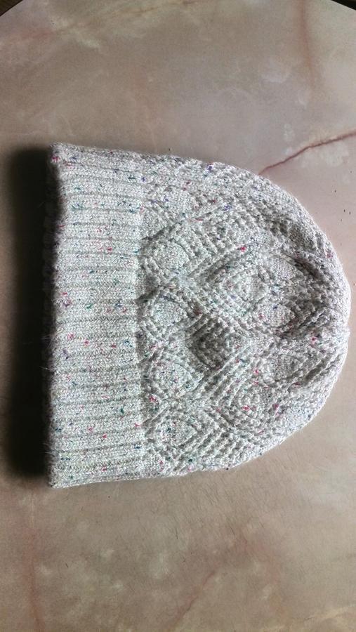 Продам шапочку, фото в реале во Владивостоке