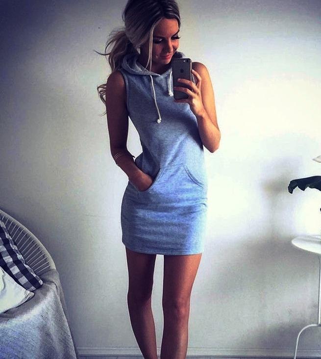 платье спортивного стиля, размер S во Владивостоке