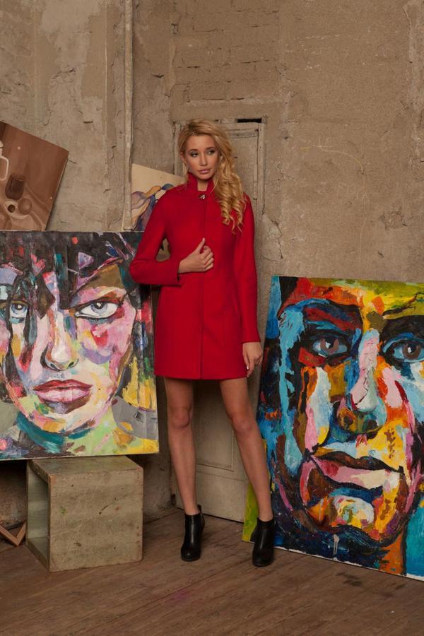 Пальто на стройную девушку во Владивостоке