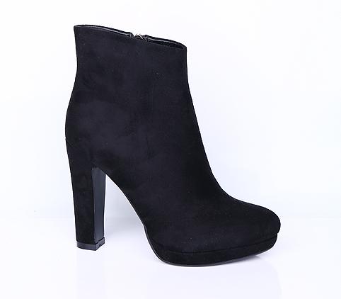 Продам женские ботинки. р-р: 4 в Уссурийске