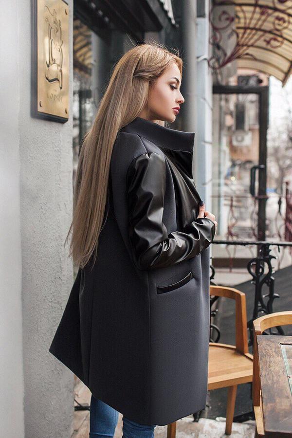 замену картинки пальто с кожаными рукавами она
