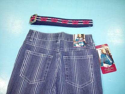 Очень красивые джинсы  девичьи 152 - 158 рост новые во Владивостоке