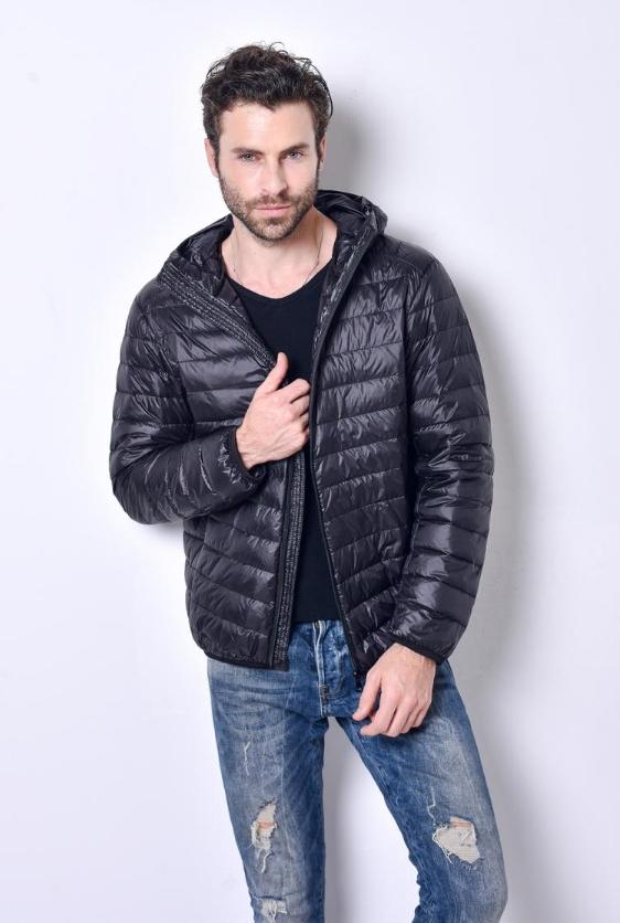 Ультралегкая мужская куртка с капюшоном, цвет черный