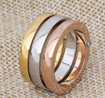 Кольцо тройное,18 р в Хабаровске