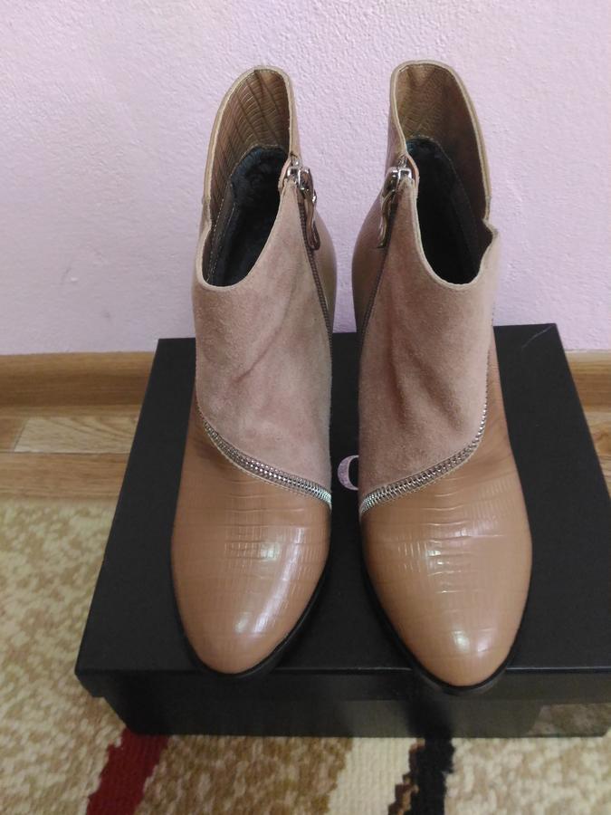 Отличные ботиночки на осень раз. 36 во Владивостоке