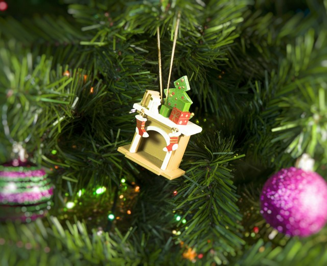 записка новогодние деревянные игрушки на елку фото умолчанию