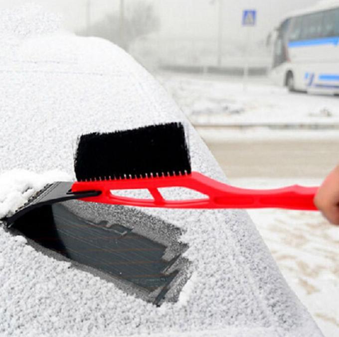 Щетка для снега со скребком