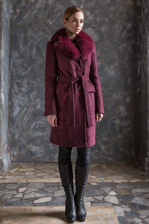 Пристрою прекрасное теплое пальто в Хабаровске