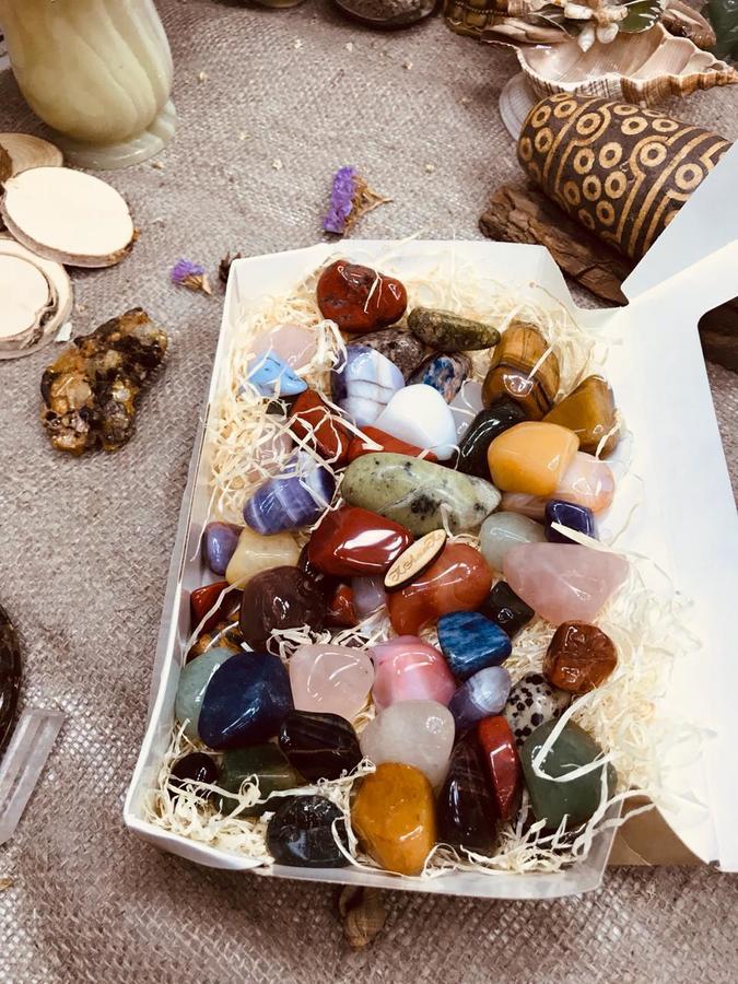 Камни Камни с давних времен используют для гармонизации пространства.  Сегодня хотелось бы затронуть наболевшую для многих тему. Послушание детей. Юго-запад каждой комнаты является сектором хозяина, с