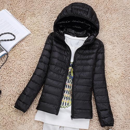 Ультралегкая женская куртка с капюшоном, цвет черный