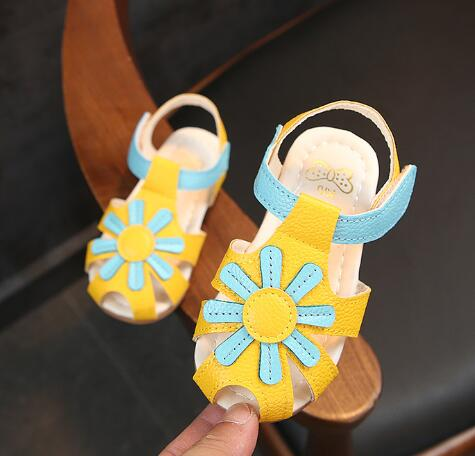 Детские сандалии желтые в Хабаровске
