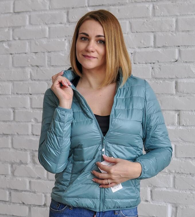 Ультралегкая женская куртка с капюшоном, цвет пыльный голубой