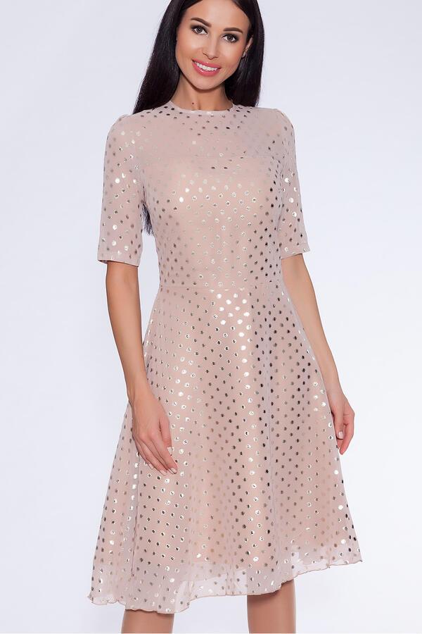 Очень нежное, нарядное платье. Торг уместен в Хабаровске