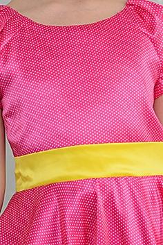 Платье Платье из плотного атласа на хлопковом подкладе. Бантик входит в комплект к платью. Многослойный подъюбник из сетки. Молния по спинке. Сзади завязывается на пояс и большой оформленный бант. ***
