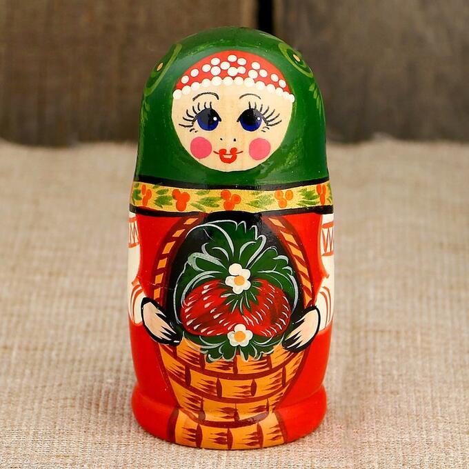 Матрёшка «Земляничка в корзинке», зелёный платок, 5 кукольная, 10 см