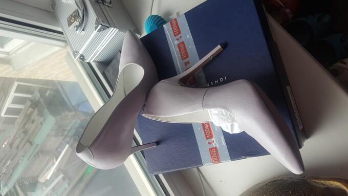 Продам туфли. Размер 40. Фото реальное в нутри во Владивостоке
