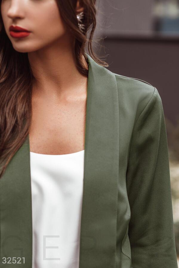 Костюм темно-зеленого цвета