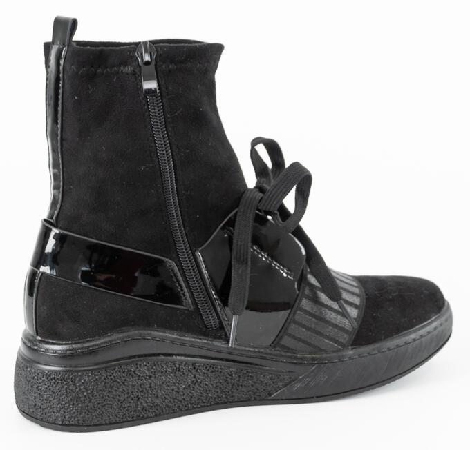 Ботинки Сезон — Демисезон Материал — Искусственная замша Цвет — черный В размер