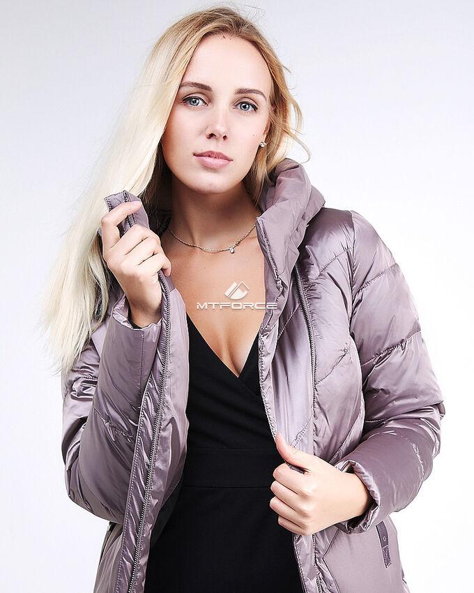 Женская зимняя классика куртка с капюшоном бежевого цвета