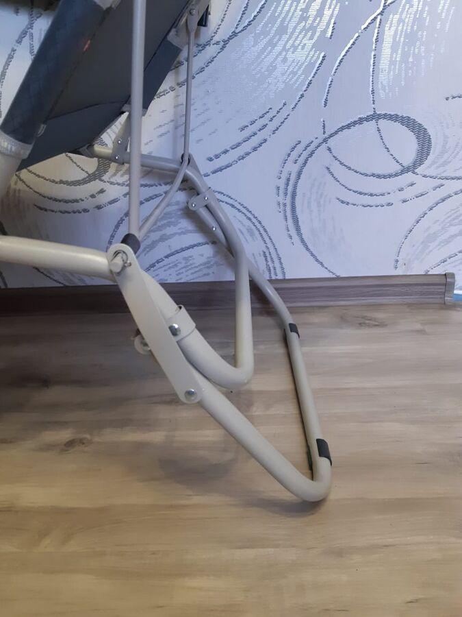 Шезлонг Шезлонг раскладушка для отдыха на природе  в разложенном виде:, длинна 180, ширина 47. Материал: ткань + металл Размер сложенным: 100 х 60 х 20 см