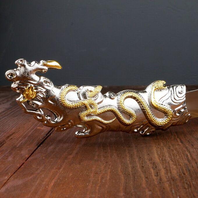 Сувенирный нож, рукоять в форме орла на охоте, на ножнах змея, 34 см