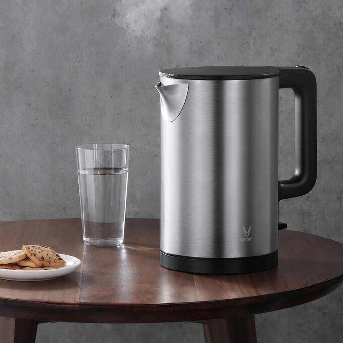 Чайник с металическим корпусом на 1,5 литра