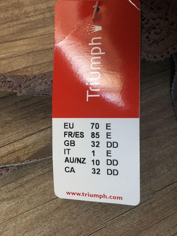 Бюстгальтер Triumph 70E, цвет лиловый во Владивостоке