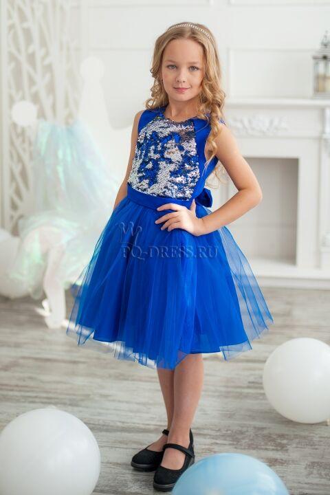 Платье Нарядное платье с реверсивными пайетками. Если провести рукой по пайеткам, цвет меняется на серебро.  По спинке молния, сзади платье завязывается на большой красивый бант. Подклад в