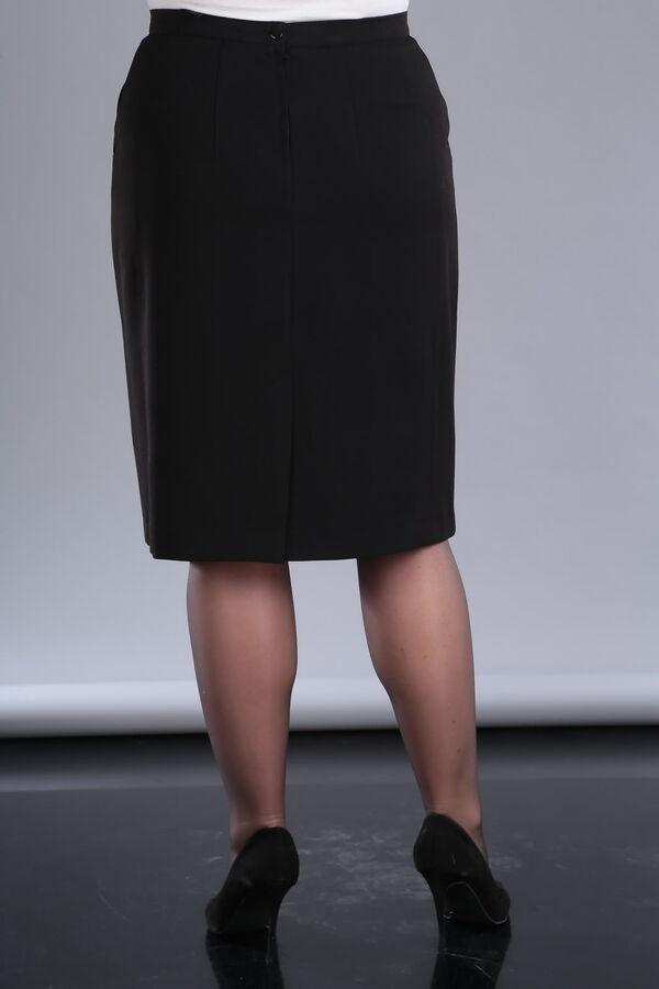 Юбка миди Состав: полиэстер – 71% вискоза – 24% спандекс – 5%Рост: 164 см. Юбка прямая, немного зауженная к низу, с рельефами по бокам. На переднем полотнище боковые, косые карманы; на заднем полотнищ