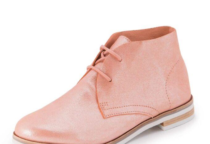 . Ботинки со шнурками на контраст.подошве в Хабаровске
