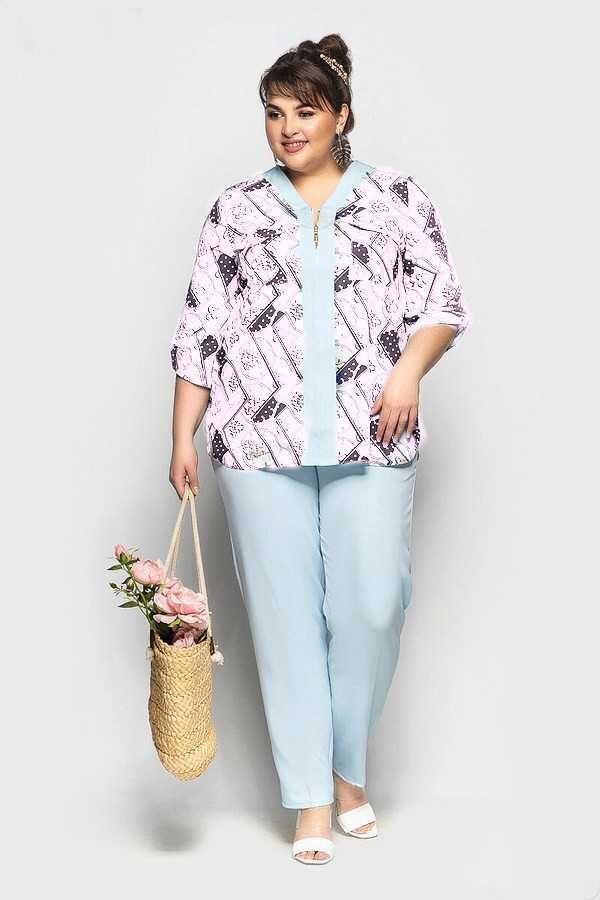 Костюм: (брюки и блузка)
