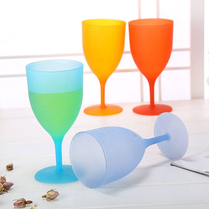 Набор пластиковых бокалов / 6 шт.