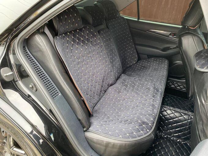 Накидки на сиденья премиум Алькантара полный комплект черный с бежевой строчкой