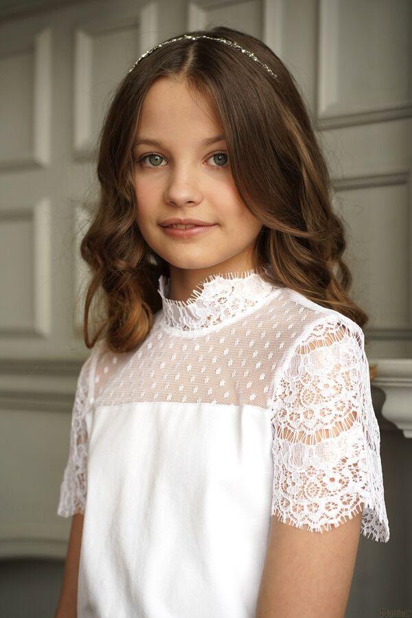Очень красивая блузка в школу в Хабаровске