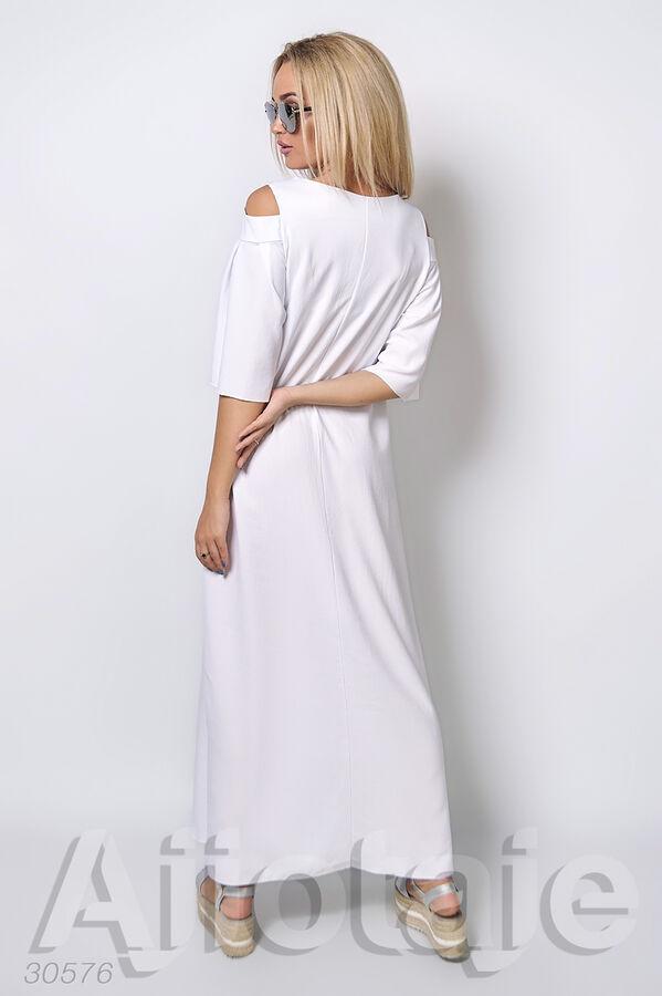 Льняное платье в пол с вырезами на плечах