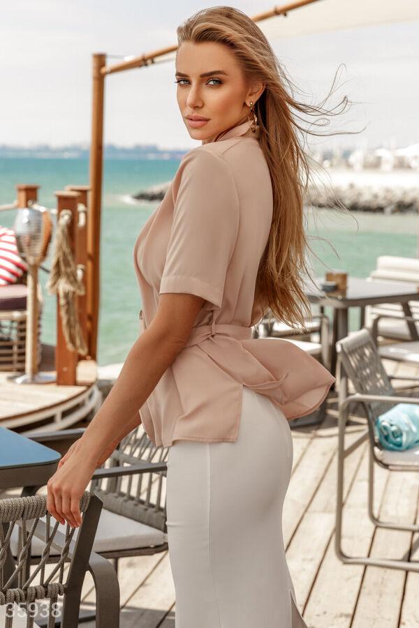 Блуза-жакет бежевого цвета