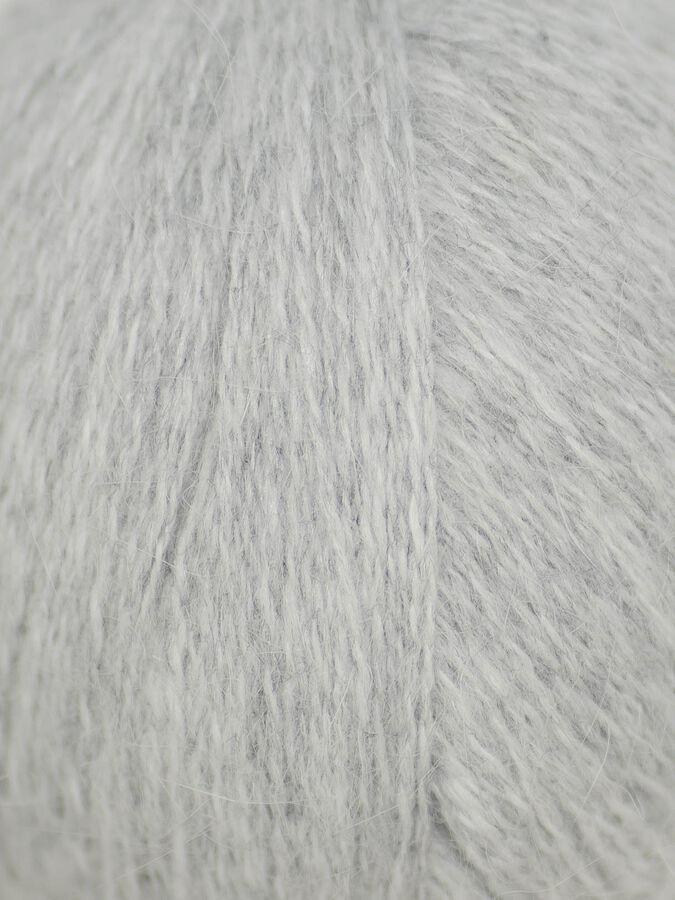 Пух норки Пух норки 98% нейлон 2%, В комплекте идет дополнительная нить 20гр 50(+/-3)гр ~350м
