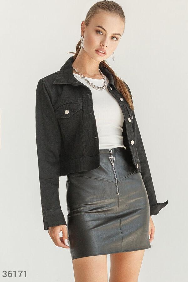 Свободная джинсовая куртка черного цвета